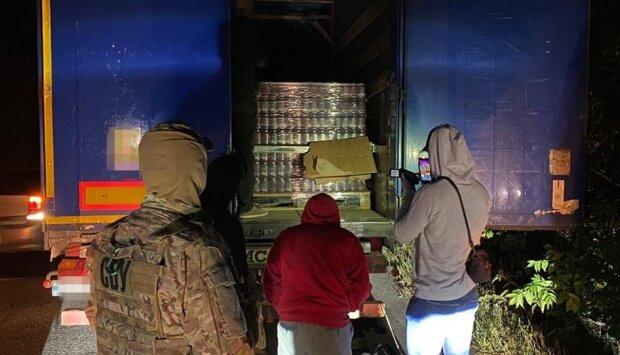 """Днепряне наладили торговлю с боевиками """"ДНР"""": """"отправили товар на миллионы..."""""""