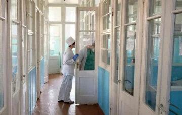 """В Днепре первый летальный случай с подозрением на коронавирус: """"приехал из..."""""""