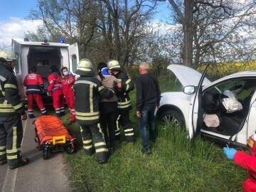 Девушку зажало в салоне: жуткая авария с микроавтобусом на одесской трассе, фото