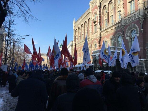 Стало известно, зачем на митинги свозили бойцов АТО (фото)