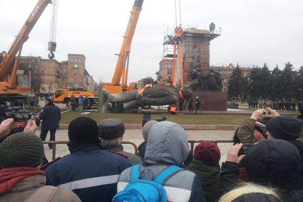 На Одесчине восстановили памятник Ленину: карантин не помеха, кадры