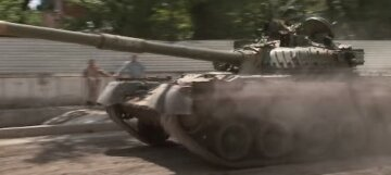 """Танки и бронетехника ВСУ под Хмельницким, начался бунт: """"2014 год вернулся"""", кадры происходящего"""
