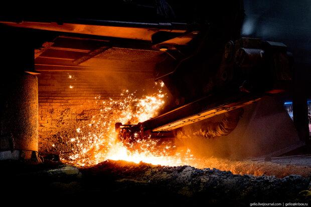 завод-расплавленный металл