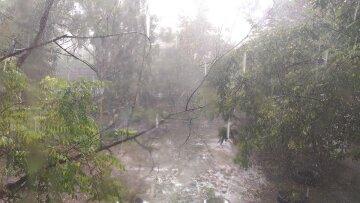 Стихія c градом і зливами обрушилася на Одещину: кадри негоди