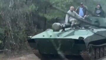 """""""А на передовую слабо?"""": зять Нины Матвиенко поехал на танке за грибами и разозлил украинцев"""