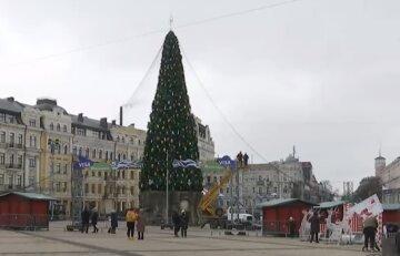"""""""Ні гірлянд, ні атракціонів"""": як виглядає Софійська площа після новорічного демонтажу"""