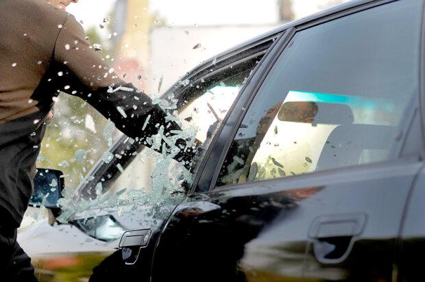 Водитель подвергся зверскому нападению в Киеве: кадры побоища на трассе