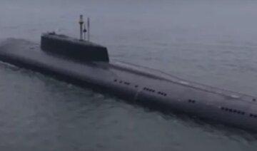 Путинская подлодка внезапно всплыла у берегов США, военные отреагировали: все подробности