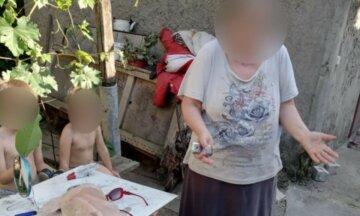 Українка викинула з дому літню матір з двома малюками: жінка у відчаї