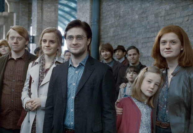 """Звезды """"Гарри Поттера"""" ошарашили внешностью: волшебников теперь не узнать, фото до и после"""