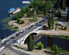 Автомобильный_мост_через_Русановский_к