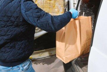 Прикидається кур'єром: людей попередили про нахабного шахрая, який промишляє в Києві