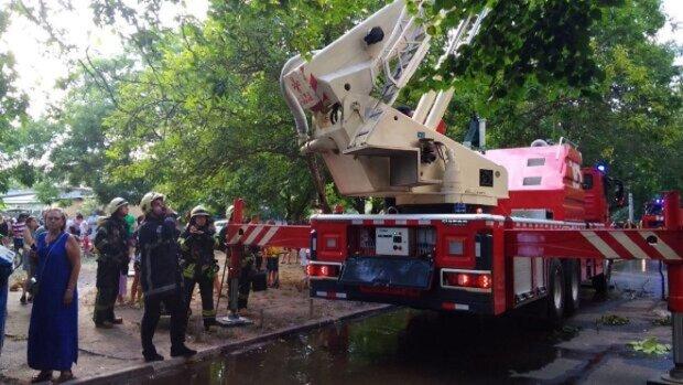 НП в багатоповерхівці Одеси, людей евакуювали з будинку: фото і що відомо про постраждалих