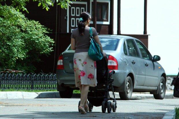 коляска, пешеход