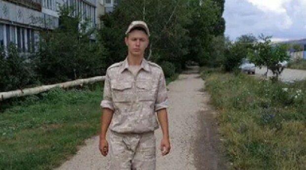 """У Криму військовий застрелив товариша по службі, мати у нестямі від горя: """"Не пускайте синів в армію"""""""