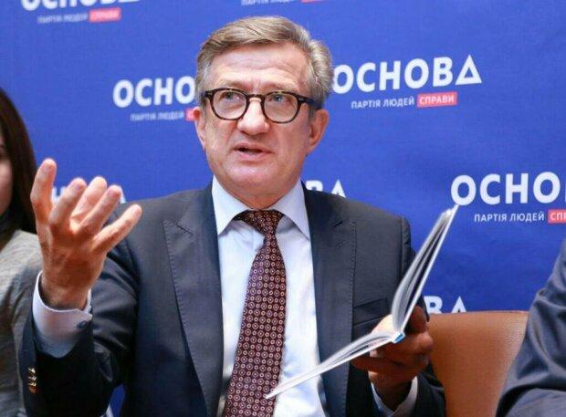 Українці не стануть жити краще: Тарута розкритикував закон про Нацбезпеку