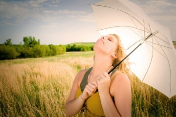 жарко, девушка, зонт