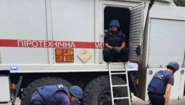 Взрывы прогремели возле Харькова: найдены снаряды и мина, фото