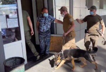 Переполох на центральном автовокзале в Киеве, съехались силовики: кадры с места ЧП