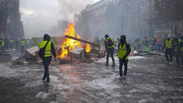 Трагедия оборвала жизнь лидера «желтых жилетов»: что происходит во Франции