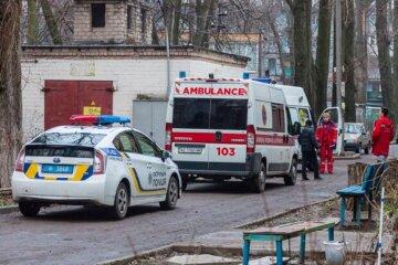 Пенсионерка зарезала мужа в Одессе, внучка застала страшную картину: кадры с места трагедии