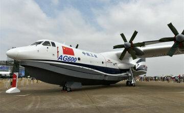 Китайці показали свій літак-рекордсмен: вражаюче відео