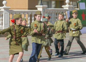 Крымских школьников насильно сгоняют в партизанские отряды (фото)
