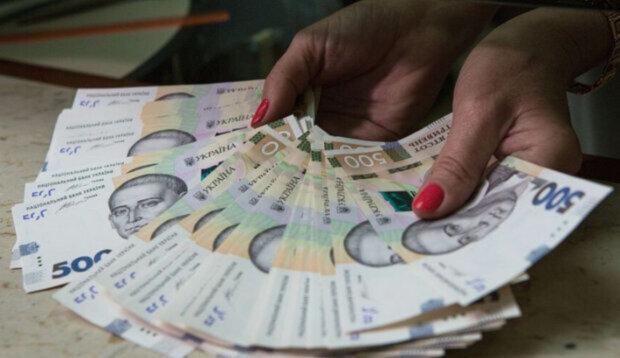 На головы четверых знаков Зодиака свалится небывалая прибыль: кого ждут денежные дни