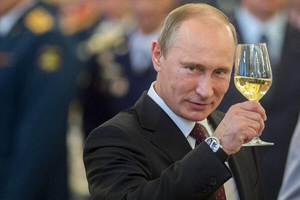 """Якими обіцянками Путін буде """"годувати"""" виборців"""