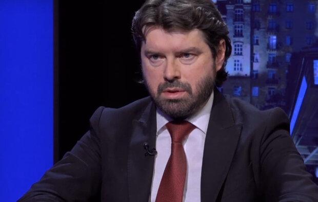 """""""А что делать пенсионеру?"""": Новак раскритиковал власть за драконовские штрафы во время карантина"""