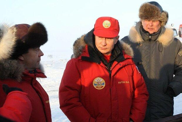 Арктические приключения Путина и Медведева высмеяли в фотожабах — фото