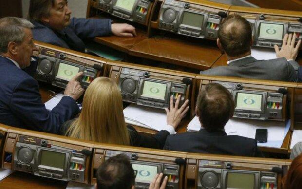 Политики устали покупать избирателей сами, поэтому подключили бюджет, — Федоренко