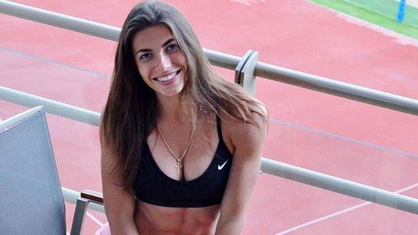 Українська легкоатлетка скинула з себе одяг посеред Карпат: дивовижне фото