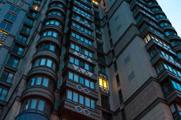 Полицейский обыск закончился трагедией в Киеве, «летел 10 этажей»: подробности кошмара