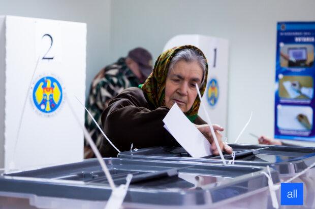 Alegeri-Moldova-Election-2014-Ghilan-30112014-3
