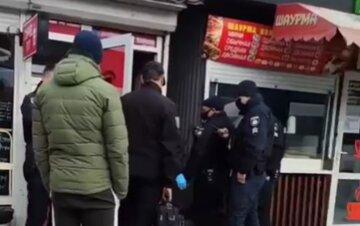 Київ сколихнула трагедія з продавцем прямо на робочому місці: терміново виїхали лікарі і поліція