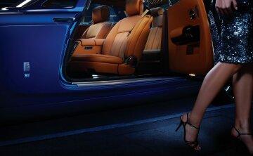 женщина ноги авто