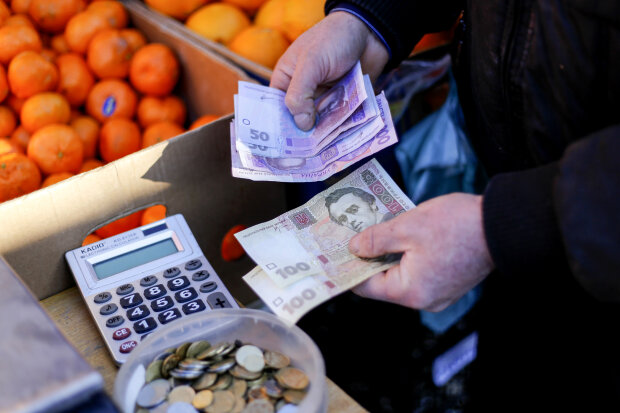 10 гривен теперь будут круглыми: в НБУ приготовили революцию