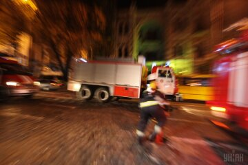 пожар пожарные спасатели