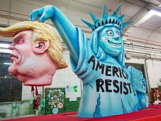 Впечатляющие кадры фестиваля карикатур на политиков — фото