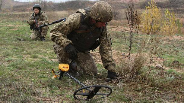 """Боевики сделали губительные """"подарки"""" ВСУ во время перемирия: """"113 неизвестных..."""""""