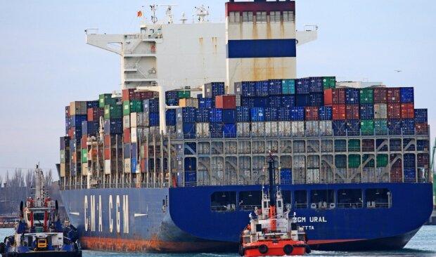 Корабель з Китаю зайшов в Одесу, фото: що відомо про моряків, які захворіли напередодні