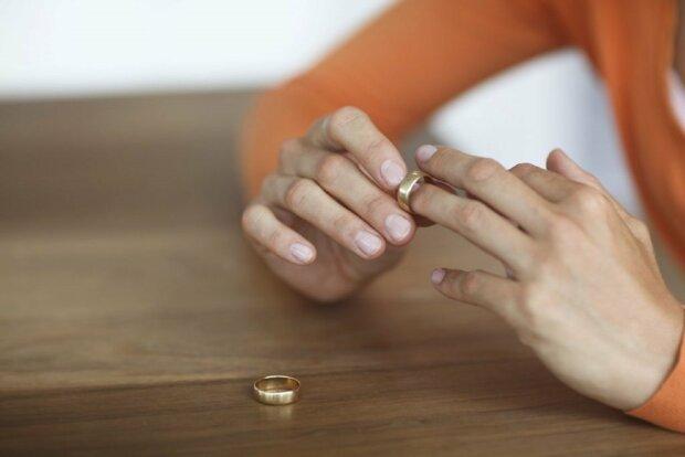 Шквал разводов захлестнет Украину, названа причина: «Спасет только…»