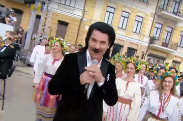 """Зібров виправдався за пісні російською мовою до Дня Незалежності: """"Тоді і німецькою не можна співати"""""""