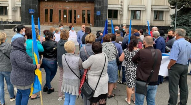 Жители Одесчины взбунтовались против чиновников, фото: что творится под ОГА