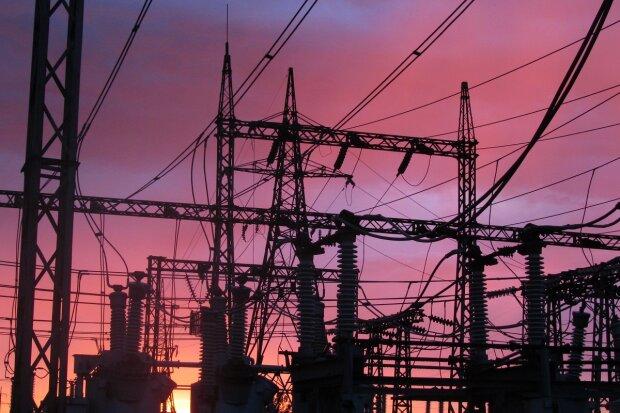 Ексголова держрегуляторної служби про підвищення тарифів «Укренерго»: Влада свідомо знищує економіку