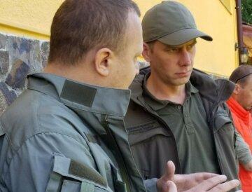 Госэкоинспекция отобрала пробы грунта на месте разлива розового вещества в Ровенской области
