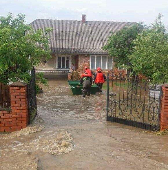Черновцы готовят к срочной эвакуации: заявление главы ОГА