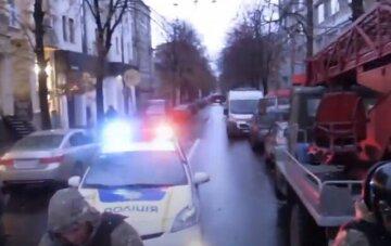 Подозрительный конверт по почте наделал шума в Одессе, съехались полиция и спасатели: известно, что внутри