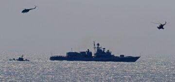 Військові кораблі привели в бойову готовність в акваторії Одеси: вражаючі кадри